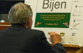 Limburg gaat bijensterfte beperken
