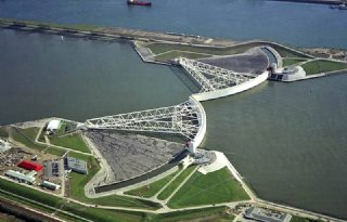 Delfland wil sluizen in Nieuwe Waterweg