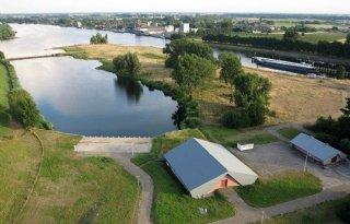 Water+Afgedamde+Maas+verontreinigd