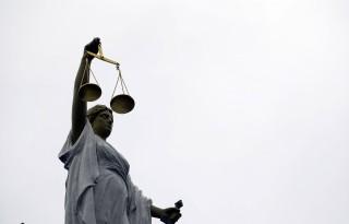 Honderden melkveehouders stappen naar rechter
