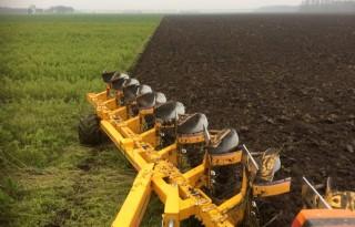 Ondiep ploegen spaart de bodem