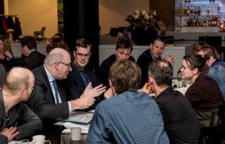 Eurocommissaris+Hogan%3A+oplossing+voor+fosfaat+en+derogatie+komt