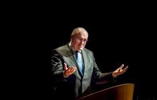 Hogan+wil+macht+supermarkten+beperken