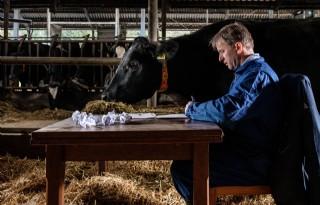 Melkveehouder deelt boerenverstand met Rutte