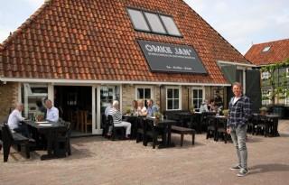 Boer+en+burger+tafelen+samen+bij+Omke+Jan