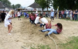 NK Hooien tijdens Maas en Waalse oogstdagen