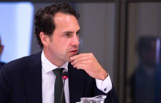 Staatssecretaris Martijn van Dam was als koude douche