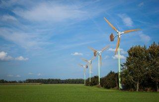 Boer+ziet+kleine+windmolen+zitten