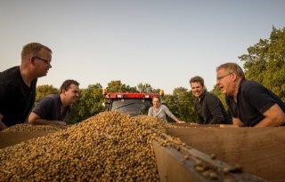 Akkerbouwers+worstelen+met+sojateelt+in+Drenthe