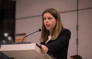 TV: Minister betreurt harde woorden