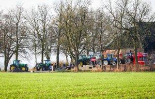 Boeren+eisen+inspectie+van+alle+boerderijen+in+bevingsgebied