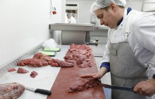 Veehouder+met+slagersdiploma+trekt+klanten