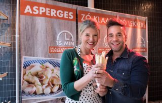 Asperges+z%C3%B3+klaar+bij+opening+seizoen+in+Rotterdamse+Markthal