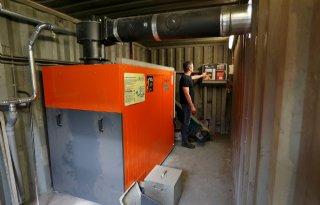 Biomassa+zorgt+voor+verwarmde+varkensstal