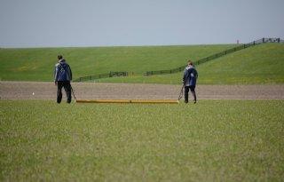 Boeren+meten+voor+Holwerd+aan+Zee