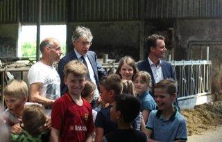 Minister+Slob+wil+dat+kind+weet+wat+op+boerderij+gebeurt