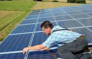 Wiebes+weigert+voorrang+voor+lokale+projecten+zonnestroom