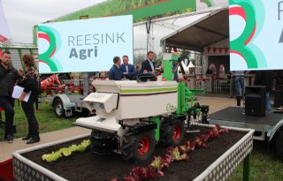 Reesink+Agri+be%C3%ABindigt+import+van+Na%C3%AFo%2Drobotproducten