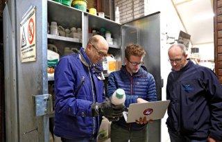 Flevolandse+boeren+voeren+25%2E000+kilo+middelen+af