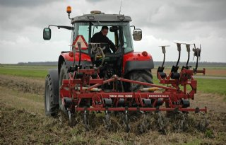 Akkerbouw+vraagt+meer+grondbewerkingsmachines