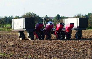 Robot+Robotti+monitort+bij+WUR+gewassen