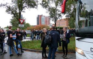Zuiden+vertrekt+met+bus+en+banners+naar+Den+Haag