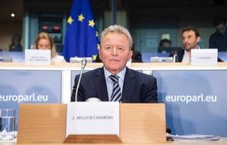 Eurocommissaris+op+de+vingers+getikt+om+varkenstweet