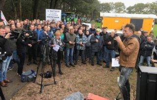 Achterhoekse boeren protesteren bij Wooldse Veen
