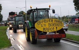Brabantse+boeren+protesteren+bij+provinciehuis