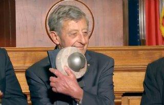Simon Groot krijgt Wereldvoedselprijs uitgereikt