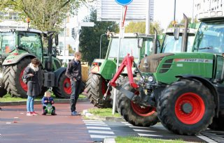 Luide en massale aftrap estafetteprotest Brabantse boeren