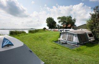 Camping+met+agrilabel+vist+achter+coronanet