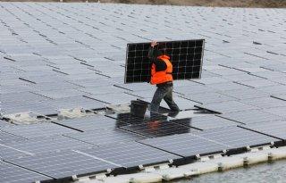 Eerste boeren benaderd voor groot zonnepark Schiphol