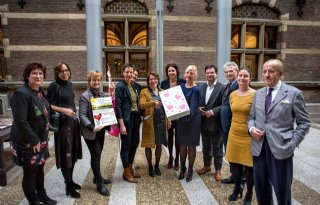 Boerinnen+mogen+petitie+overhandigen+aan+minister