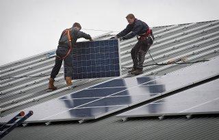 Extra+steun+voor+zonnepanelen+op+dak+in+Zuid%2DHolland