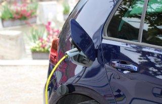Historisch lage CO2-uitstoot door elektrische auto's