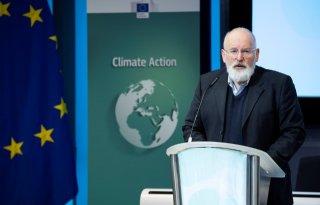 Timmermans doet dringend beroep op landbouwsector
