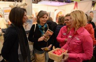 MmmEggies delen uit op Gezondheidsbeurs in Utrecht