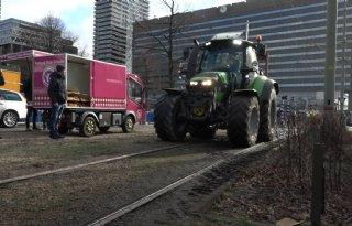 Boeren via trambaan naar Koekamp