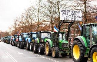 Boeren+staan+stil+bij+aanslag+Peter+R%2E+de+Vries