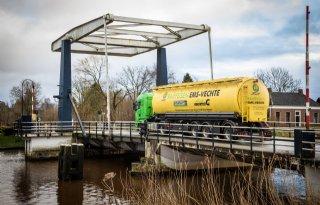 Gemeenten+stellen+renovatie+brug+uit+na+verweer+boeren
