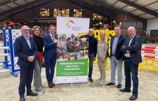 Hippisch+onderwijs+Limburg+en+bedrijven+slaan+handen+ineen