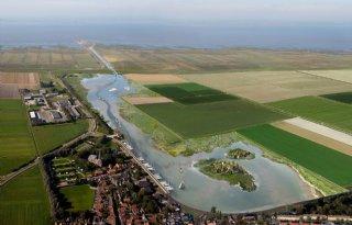 Provinciebestuur+vraagt+700%2E000+euro+voor+Holwerd+aan+Zee