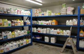 NVWA+vindt+2%2E000+kilo+illegale+gewasbeschermingsmiddelen