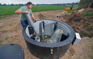 Restwater+van+Brabant+Water+voedt+grasland+melkveehouder