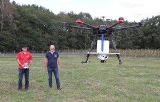 Drone zaait 10 hectare klaverzaad in een uur