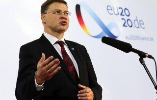 Dombrovskis+voorgedragen+als+opvolger+Phil+Hogan