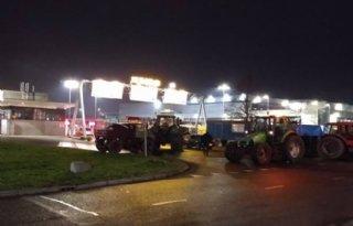 Boerenprotest+bij+distributiecentrum+Jumbo+in+Woerden