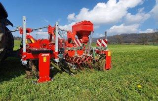 Evers+Agro+vernieuwt+graslandbeluchter+met+optionele+driepunt