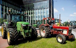 Boeren+met+trekkers+bij+rechtbank+Amsterdam